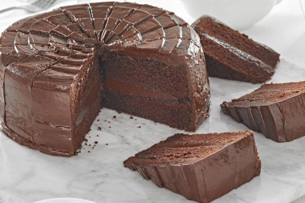 HOW TO SERVE ALABAMA FUDGE CAKE
